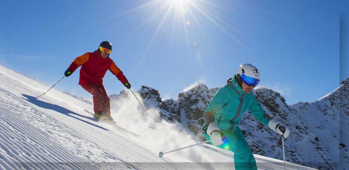 Individual snowboard and ski lessons for child and adult image